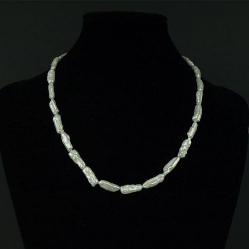 Collana Corta di Perle Keshi e Oro 18k