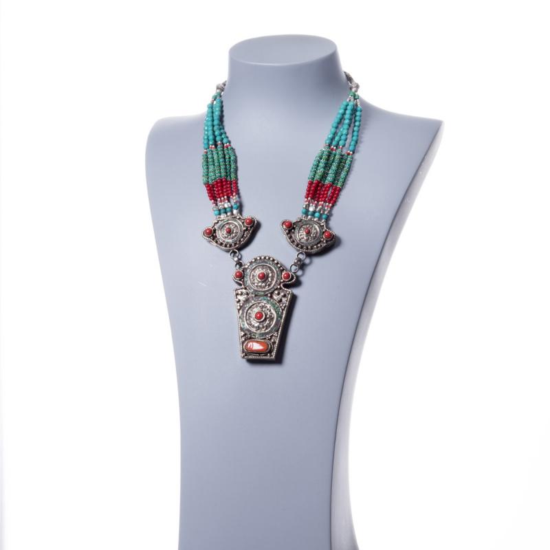 Collana Etnica con Corallo, Turchese e Argento Tibetano