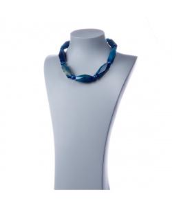 Collana corta in elementi irregolari, sfere di Agata Blu e Argento 925