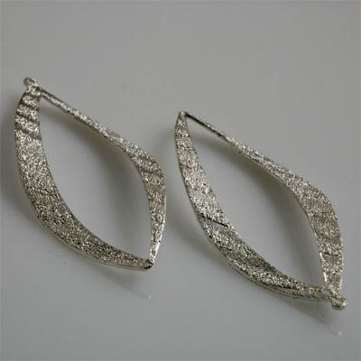 Pendente a foglia diamantata color Argento 5.8x2.5  - 2 pz.