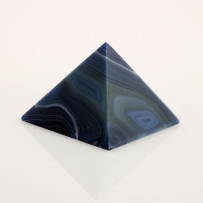 Piramide in Agata Azzurra