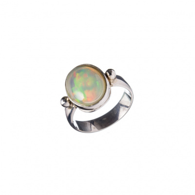 Anello a cabochon di Opale Crystal e Argento 925
