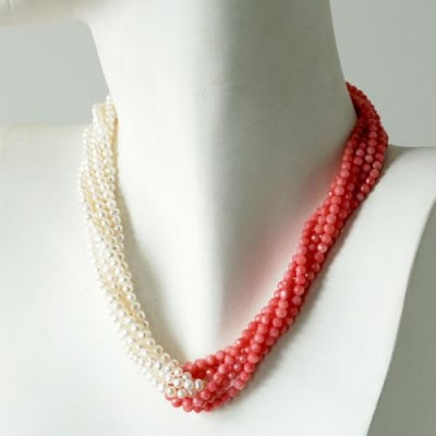 "Collana Torchon ""Grace Kelly"" in Corallo Canna di Bambù e mini Perle"