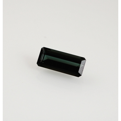 Gemma di Tormalina Verde - Taglio a Gradini 0.7x1.65x0.52