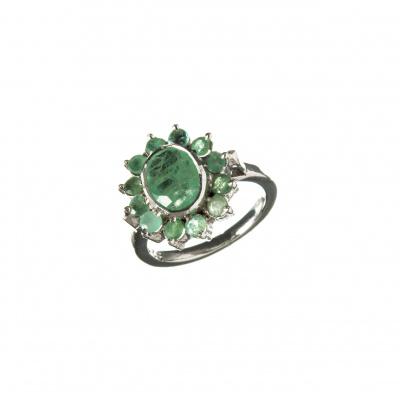 Anello con gemma ovale di Smeraldo e Argento 925