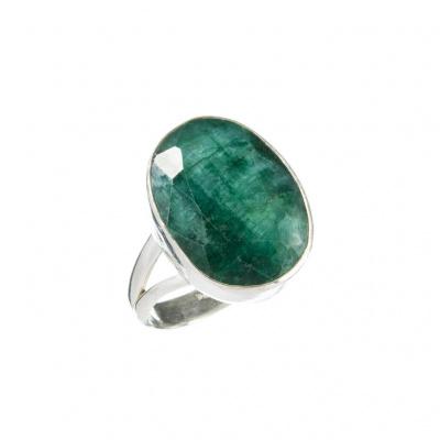 Anello in Smeraldo ovale e Argento 925