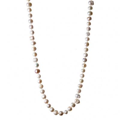 Collana lunga con Perle bianche tonde