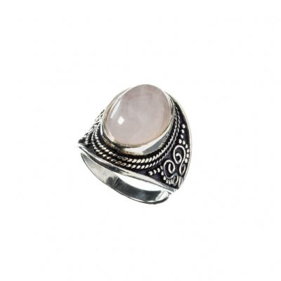 Anello ovale di Quarzo Rosa e Argento 925