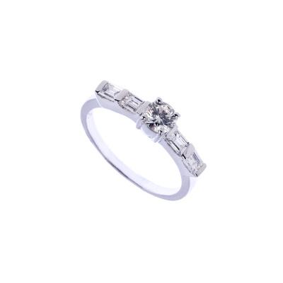 Anello in Oro bianco 18k con Diamante 0.77 ct.