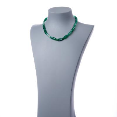 Collana con elementi cilindrici di Agata Verde