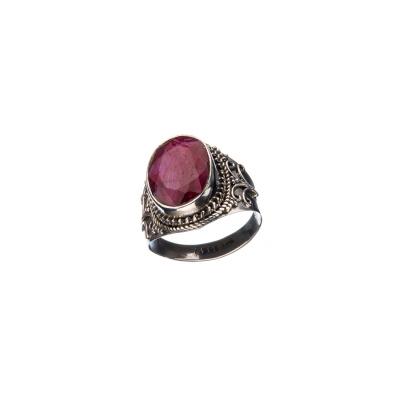 Anello Argento 925 e cabochon ovale di Rubino