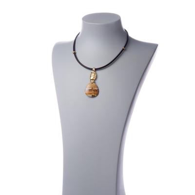 Collana con pendente in Paesina e metallo dorato