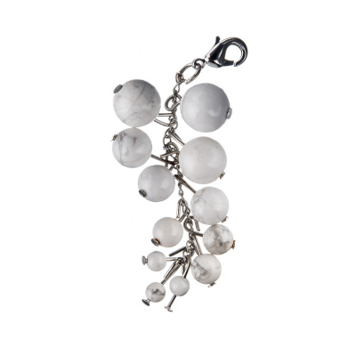 Charm in Howlite - Grappolo