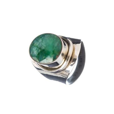 Anello con Smeraldo ovale e Argento 925