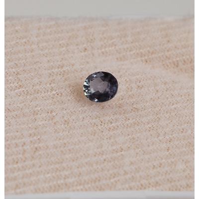 Gemma di Alessandrite - Taglio a gradini - Ovale 0.42x0.48x0.32