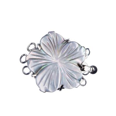 Chiusura con Fiore di Madreperla a tre fili color Argento 3.2x2.5 cm - 1 pz.
