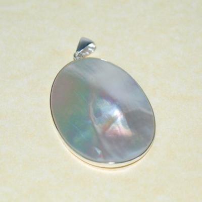 Ciondolo con Perla su Conchiglia Madre, in Argento 925