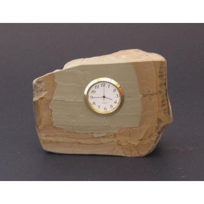 Orologio inserito in paesina