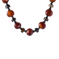 Collana di Agata variegata rossa e nera