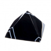 Piramide in Agata Nera Striata